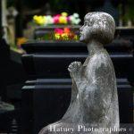 """Paris, Cimetiere du Pere Lachaise , Photographies de Paris, Cemetery Graveyard Cementerio Cimitero Friedhof , Cimetiere du Pere Lachaise , Photographies de la tombe de Elsen-Desiree MERCIER (1913-1931) par """"©Hatuey Photographies"""", Fleurs"""
