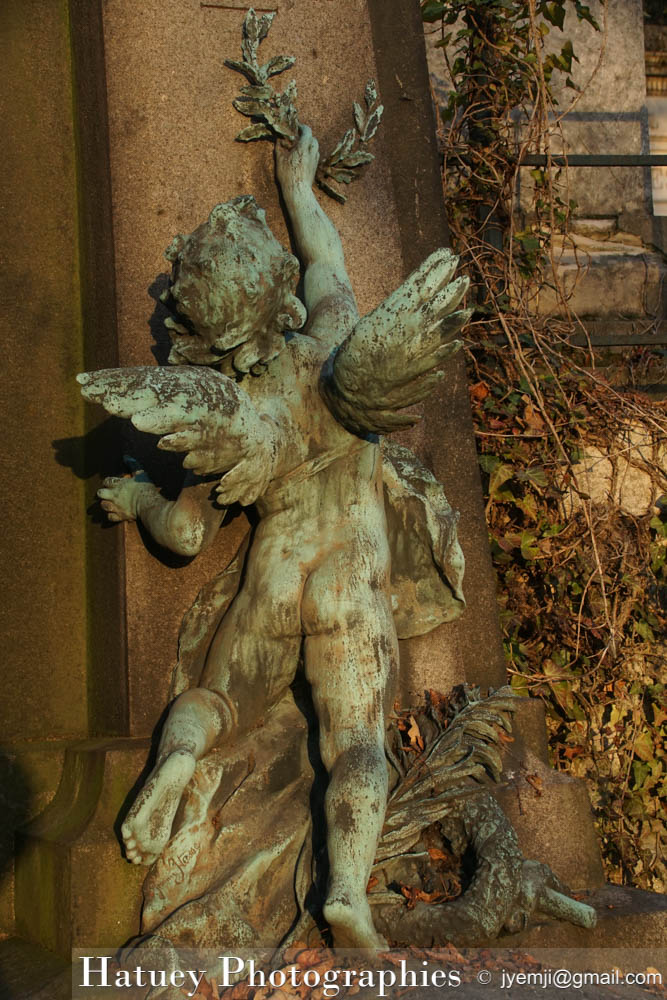 """Paris, Cimetiere du Pere Lachaise , Photographies de Paris, Cemetery, Cimetiere du Pere Lachaise , Photographies de la tombe de Adolphe ITASSE par """"©Hatuey Photographies"""""""
