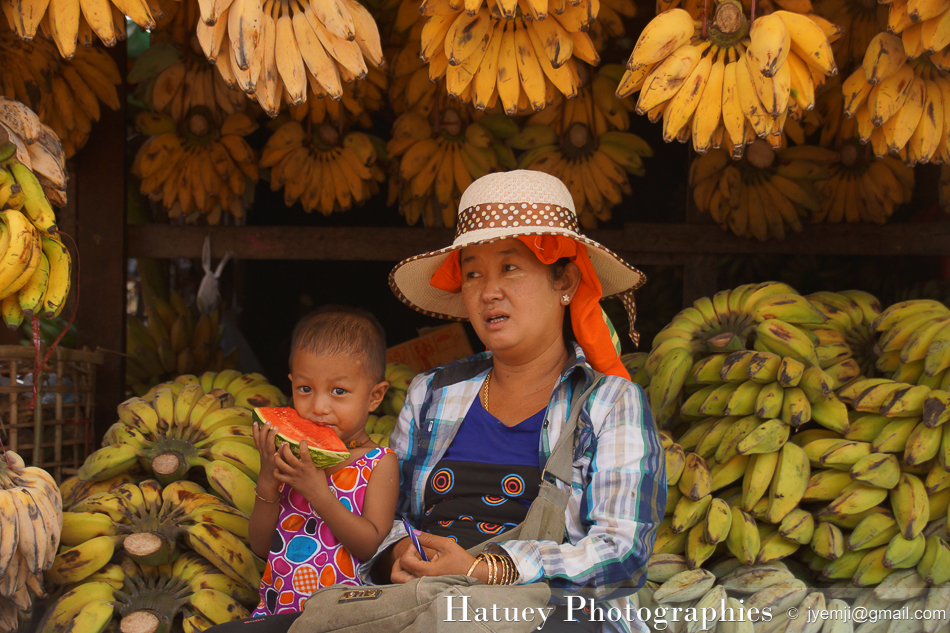 Yangon, Marché de Da Nyin Gone Railway Station by ©Hatuey Photographies